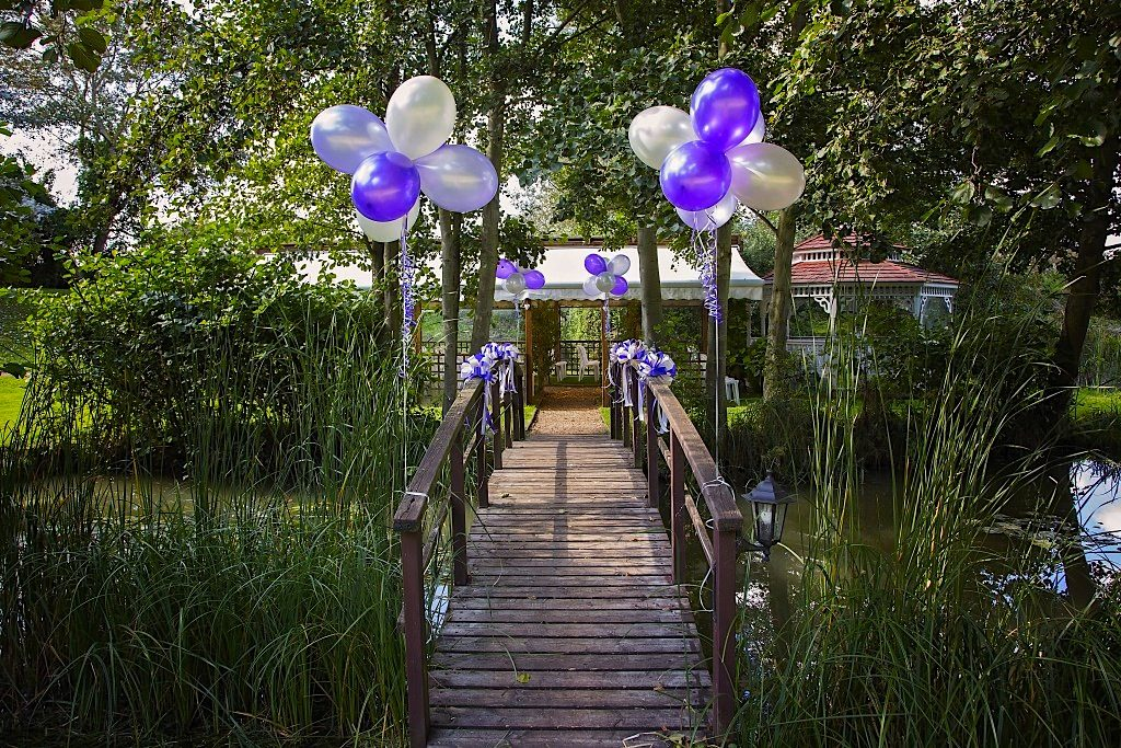 Minstrel Court Weddings - Balloons on the Monet Bridge