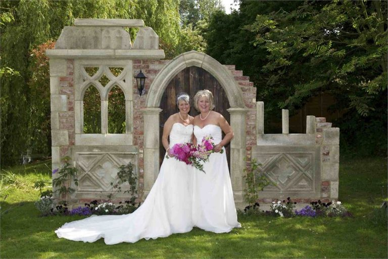 Two beautiful Brides at Minstrel Court