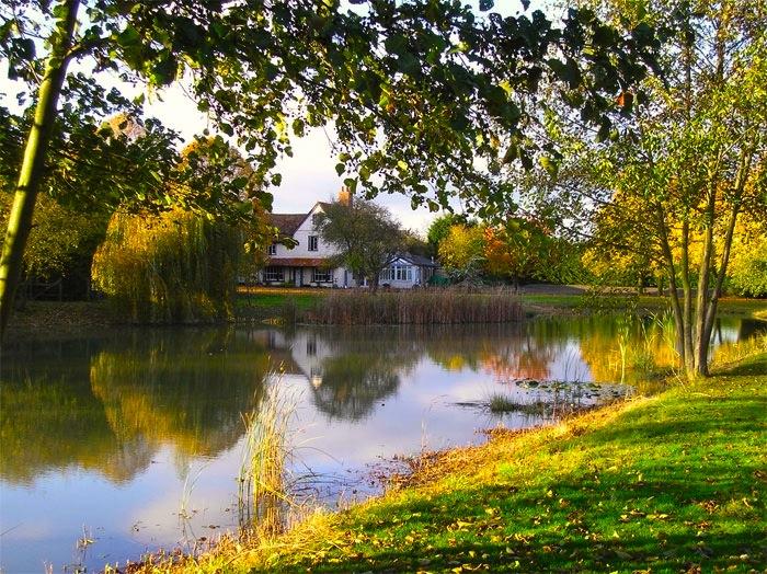 Minstrel Court Wedding - the lake in autumn